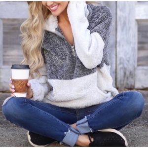 🔥CLEARANCE🔥Charcoal Gray Fuzzy Pullover S M L